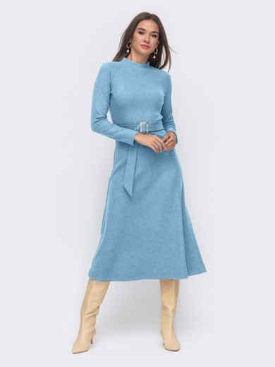 Голубое расклешенное платье из трикотажа с поясом 55316, фото 1