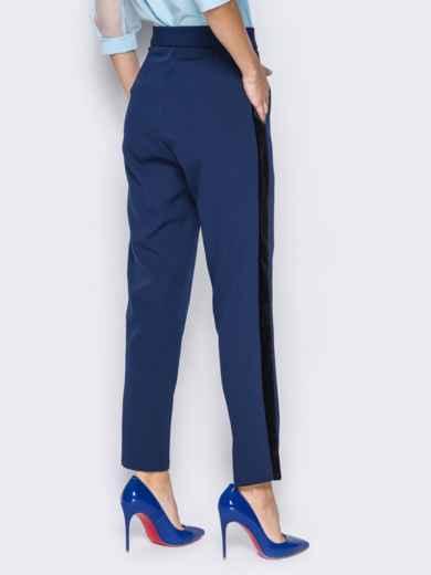 Синие брюки с велюровыми лампасами - 13209, фото 3 – интернет-магазин Dressa