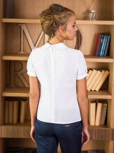 Блузка с украшением на горловине - 13900, фото 2 – интернет-магазин Dressa