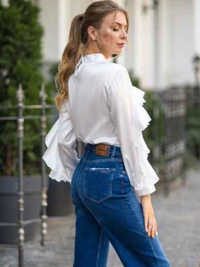 Шелковая блузка с оборкой по лифу и рукавам белая 49437, фото 2