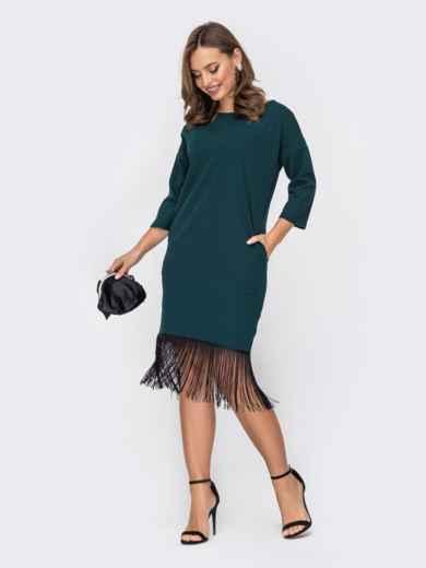 Приталенное платье с контрастной бахромой по низу зеленое 52350, фото 1