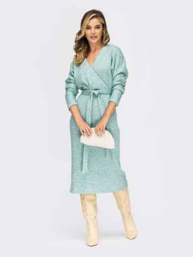 Приталенное платье из ангоры с запахом на груди зеленое 55319, фото 1