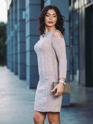 Вязаное платье с открытыми плечами бежевое - 13171, фото 2 – интернет-магазин Dressa