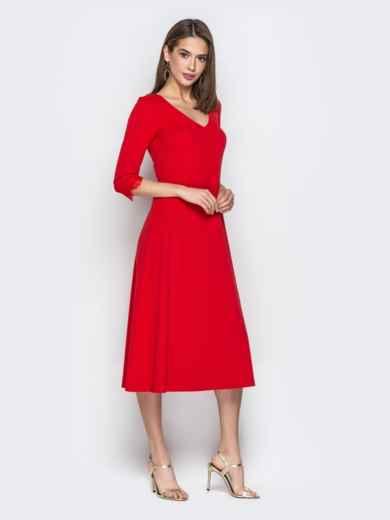 Красное платье приталенного кроя с V-вырезом горловины - 21035, фото 2 – интернет-магазин Dressa