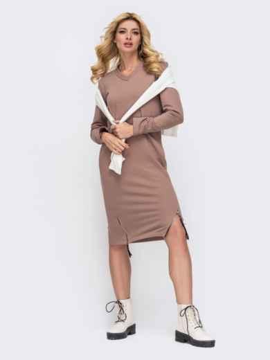 Платье в спортивном стиле из трехнитки с V-образным вырезом пудровое 50340, фото 1