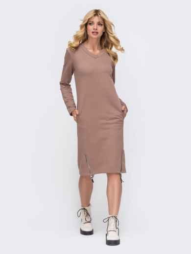 Платье в спортивном стиле из трехнитки с V-образным вырезом пудровое 50340, фото 2