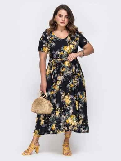 Чёрное платье батал с цветочным принтом и расклешенной юбкой 49699, фото 1