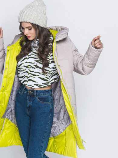 Зимняя куртка бежевого цвета с капюшоном на кулиске - 40141, фото 2 – интернет-магазин Dressa