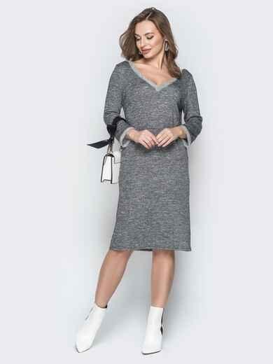 Серое платье с широким V-вырезом и карманами - 19927, фото 1 – интернет-магазин Dressa