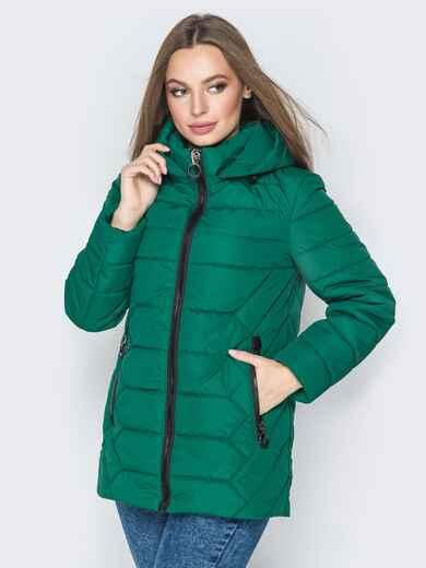 Зелёная куртка со съёмным капюшоном и карманами на молнии - 20296, фото 1 – интернет-магазин Dressa