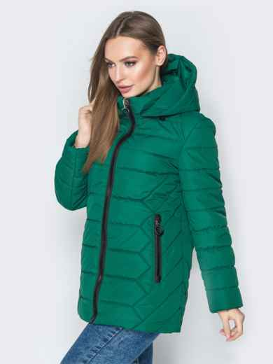 Зелёная куртка со съёмным капюшоном и карманами на молнии - 20296, фото 2 – интернет-магазин Dressa