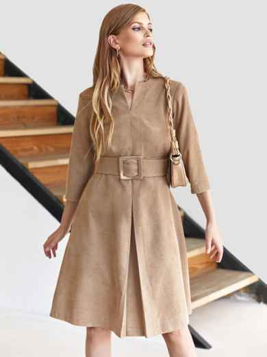 Бежевое платье-трапеция из вельвета с фигурным вырезом 55129, фото 1