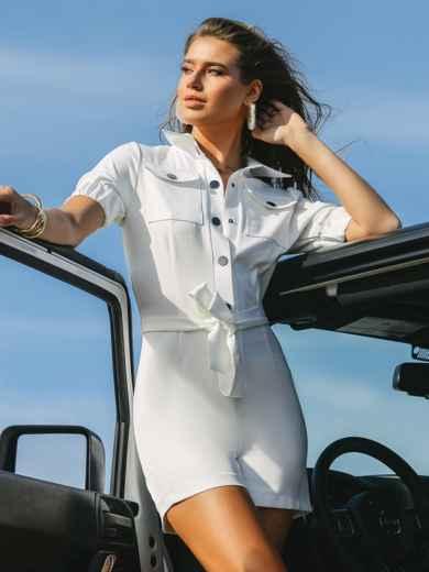 Комбинезон белого цвета с накладными карманами 48454, фото 2
