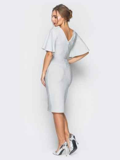 Платье белого цвета из люрекса с расклешенным рукавом - 18338, фото 3 – интернет-магазин Dressa