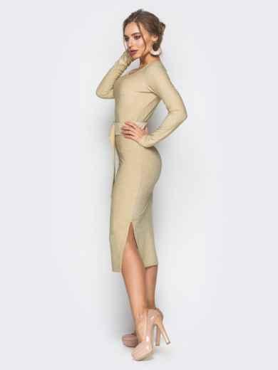 Платье золотистого цвета из люрекса с поясом в комплекте - 18335, фото 2 – интернет-магазин Dressa