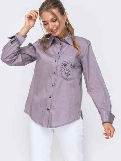 Рубашка с вышивкой на кармане и разрезами по бокам серая 49464, фото 1