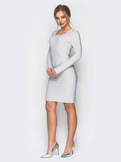 Трикотажное платье с нитью люрекса белое - 18328, фото 1 – интернет-магазин Dressa