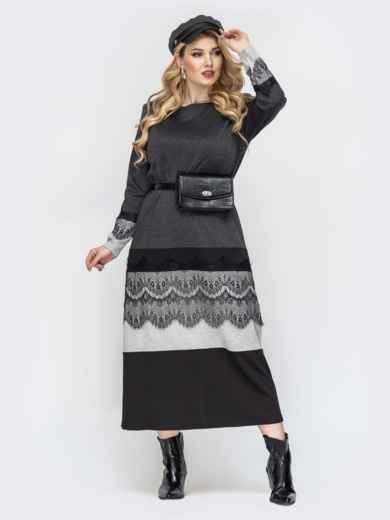 Приталенное платье батал серого цвета с кружевом 44463, фото 1