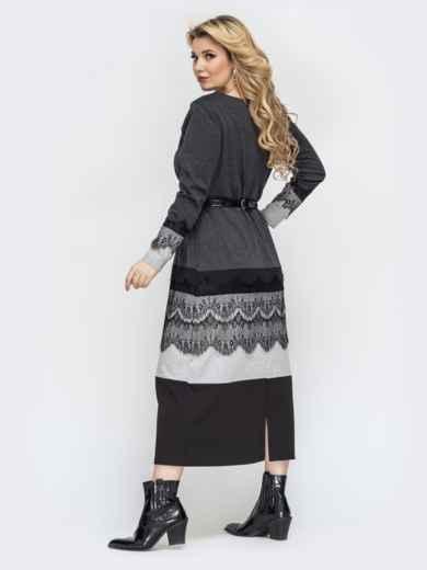 Приталенное платье батал серого цвета с кружевом 44463, фото 2