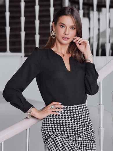 Блузка чёрного цвета с фигурным вырезом - 40088, фото 1 – интернет-магазин Dressa