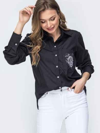 Чёрная рубашка с вышивкой на кармане и удлиненной спинкой 45742, фото 1