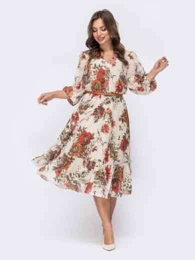 Бежевое платье с цветочным принтом и оборкой по низу - 45456, фото 2 – интернет-магазин Dressa
