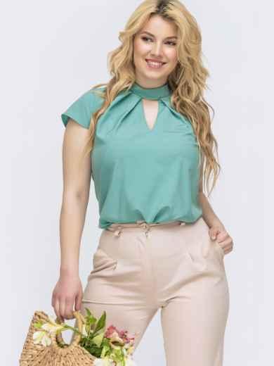 Бирюзовая блузка с геометрическим вырезом горловины батал 46061, фото 1