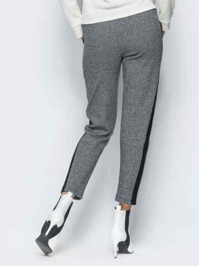Брюки серого цвета из жаккарда - 17750, фото 3 – интернет-магазин Dressa