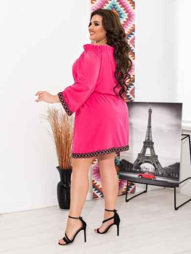 Розовое платье батал с открытыми плечами - 47637, фото 2 – интернет-магазин Dressa