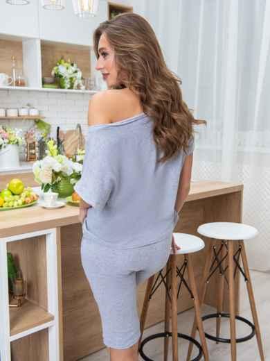 Трикотажная пижама из футболки и бридж серая - 20446, фото 2 – интернет-магазин Dressa