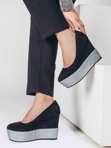 Чёрные туфли из искусственной замши на контрастной платформе 51772, фото 1