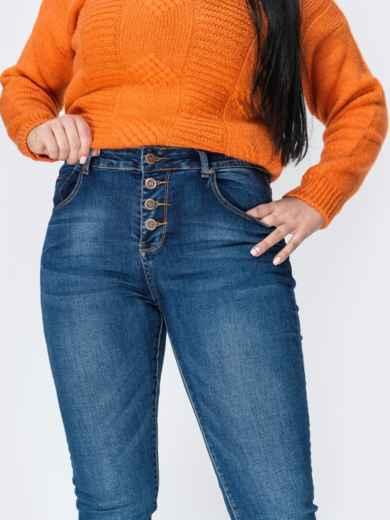 Осенние джинсы зауженного кроя на пуговицах синие - 41926, фото 3 – интернет-магазин Dressa