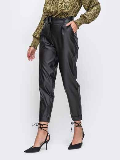 Укороченные брюки из искусственной кожи с подворотами чёрные 50352, фото 1