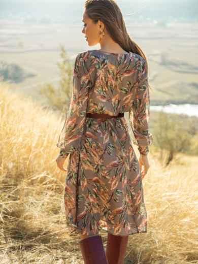Платье из шифона с принтом и расклешенной юбкой бежевое 51245, фото 4
