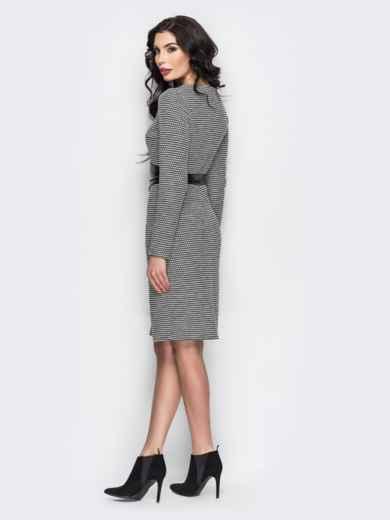 Серое платье с поясом из искусственной кожи - 13858, фото 2 – интернет-магазин Dressa