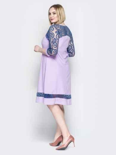 Сиреневое платье с кокеткой из гипюра и фигурным вырезом - 19961, фото 3 – интернет-магазин Dressa