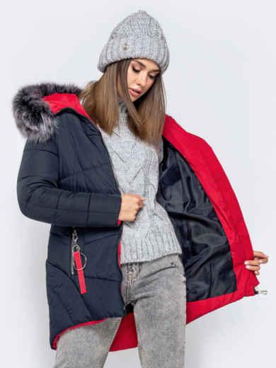 Зимняя куртка с удлиненной спинкой и капюшоном тёмно-синяя 40911, фото 3
