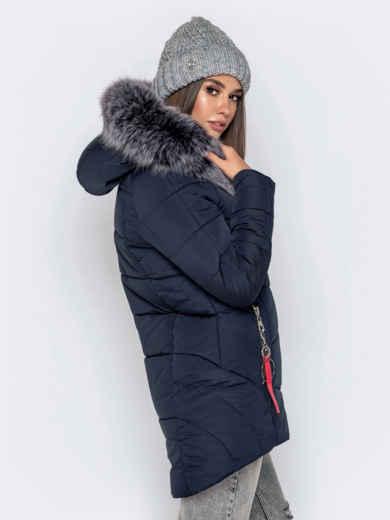 Зимняя куртка с удлиненной спинкой и капюшоном тёмно-синяя 40911, фото 4
