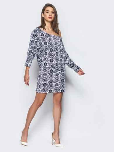Принтованное платье прямого кроя со спущенным плечом - 15732, фото 1 – интернет-магазин Dressa