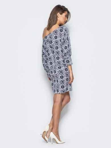 Принтованное платье прямого кроя со спущенным плечом - 15732, фото 3 – интернет-магазин Dressa