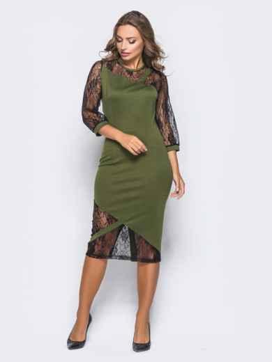 Зелёное трикотажное платье на молнии со вставками из гипюра - 16154, фото 2 – интернет-магазин Dressa