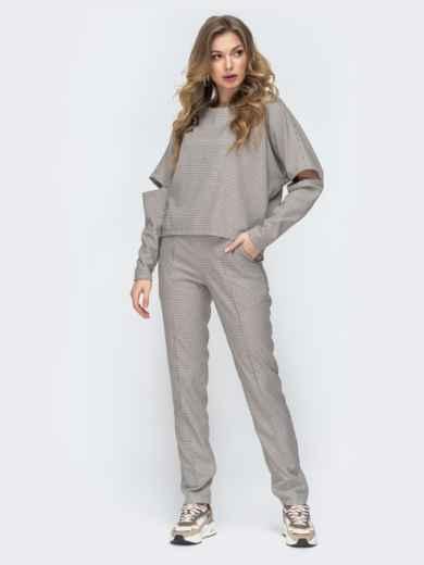 Брючный комплект серого цвета с цельнокроеным свитшотом - 45882, фото 1 – интернет-магазин Dressa
