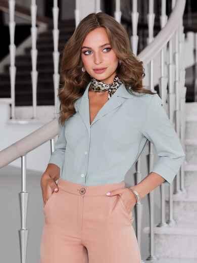 Блузка мятного цвета с лацканами - 40089, фото 1 – интернет-магазин Dressa