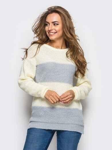 Вязаный свитер полуприталенного кроя в серую полоску - 13970, фото 1 – интернет-магазин Dressa
