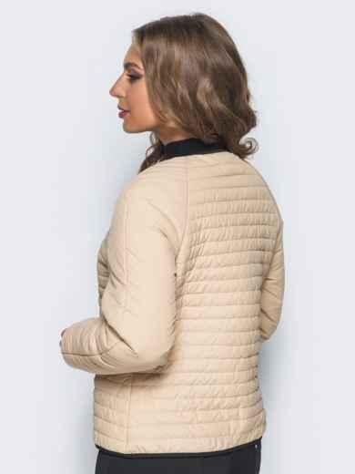 Бежевая стеганая куртка с прорезными карманами - 14692, фото 2 – интернет-магазин Dressa