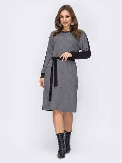 Приталенное платье с принтом и кружевом по вырезу чёрное 44124, фото 1