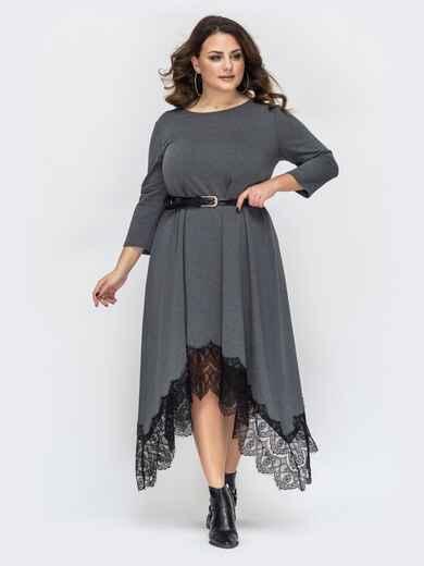 Серое платье батал с гипюром и асимметричным низом 44577, фото 1