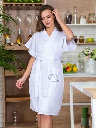 Белый халат с авторским принтом и вшитым поясом - 20431, фото 1 – интернет-магазин Dressa