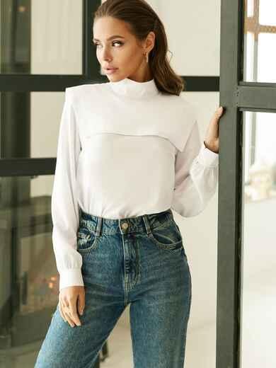 Классическая белая блузка из софта с кокеткой 52833, фото 1