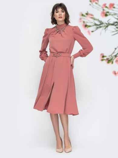 Розовое платье с воротником стойкой и разрезом спереди - 45087, фото 2 – интернет-магазин Dressa